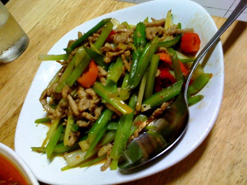 Qin Cai Rou Si (芹菜肉丝)